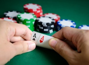 Blackjack en ligne avec croupier en direct : frappez votre 21!