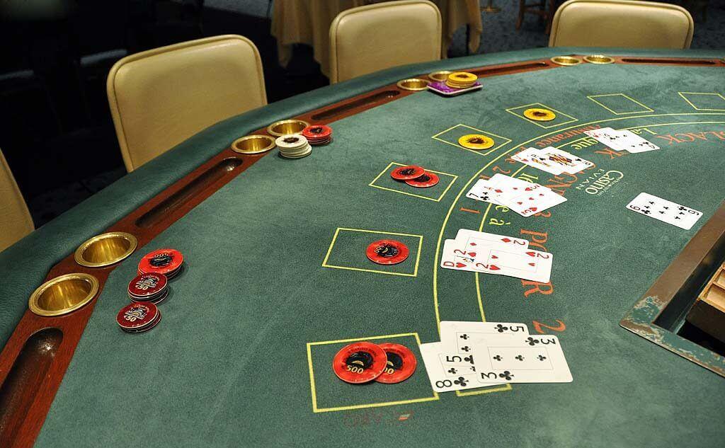 Jeux de table dans le casino en ligne français